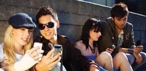 millenials-using-cell-phones